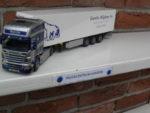 Scania  met  koeloplegger  van  Gerrits